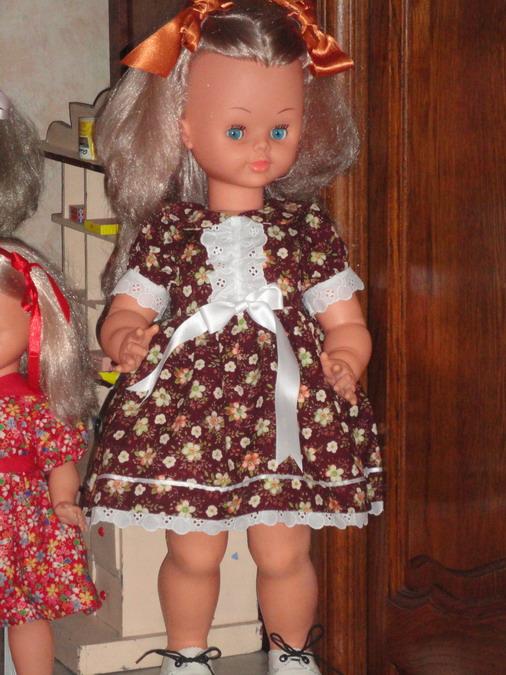 Les poupées de ma maison  - Page 3 Dsc04010