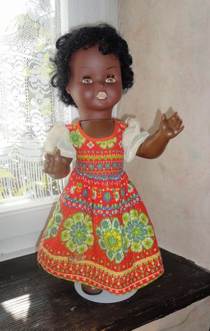 Les poupées de ma maison  - Page 3 Dsc04011