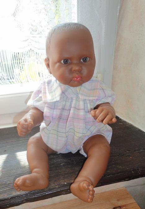 Les poupées de ma maison  - Page 3 Dsc04012