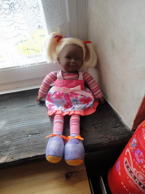 Les poupées de ma maison  - Page 3 Dsc04014