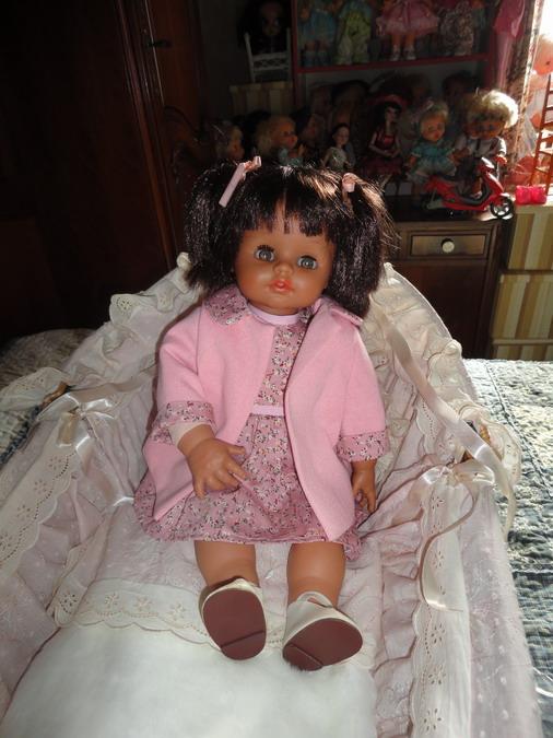 Les poupées de ma maison  - Page 3 Dsc04015