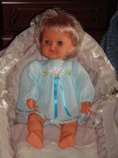 Les poupées de ma maison  - Page 3 Dsc04111