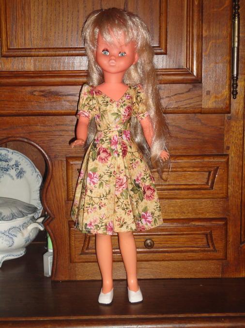 Les poupées de ma maison  - Page 3 Dsc04112