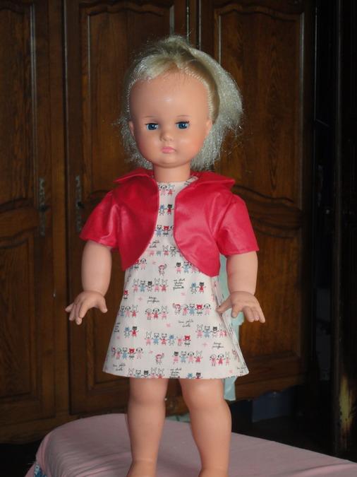 Les poupées de ma maison  - Page 3 Dsc04114