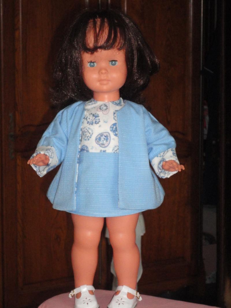 Les poupées de ma maison  - Page 3 Dsc04115