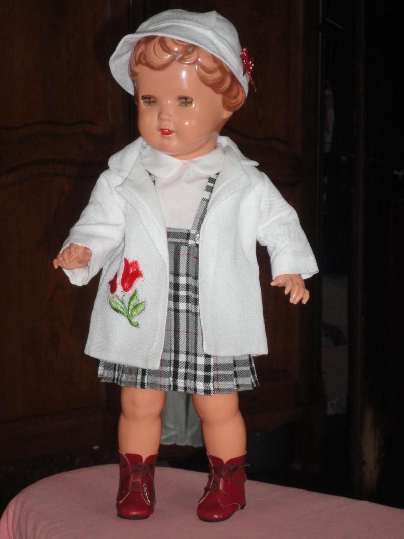 Les poupées de ma maison  - Page 3 Dsc04116