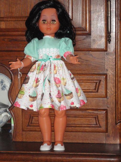 Les poupées de ma maison  - Page 3 Dsc04117