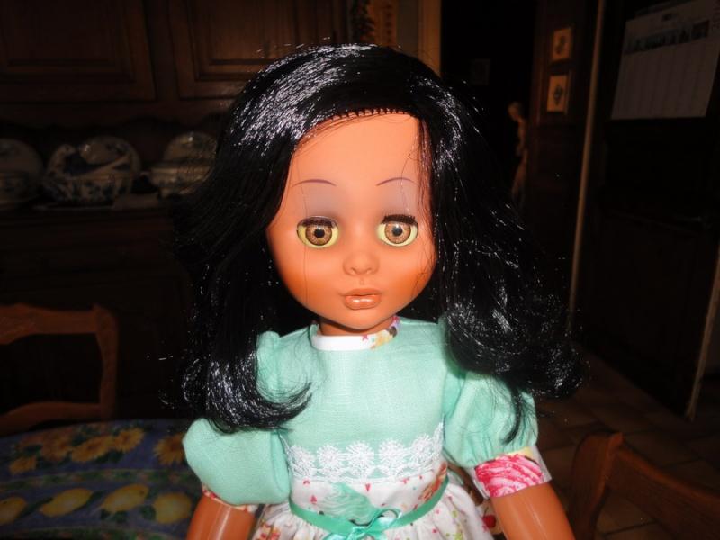 Les poupées de ma maison  - Page 3 Dsc04210