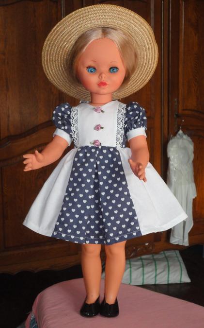 Les poupées de ma maison  - Page 3 Dsc04211