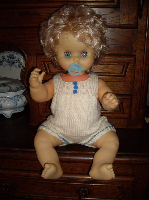Les poupées de ma maison  - Page 3 Imgp0210