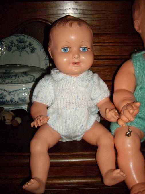 Les poupées de ma maison  - Page 3 Imgp0212