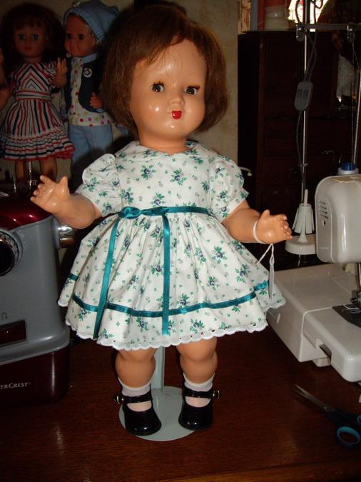 Les poupées de ma maison  - Page 3 Imgp0216