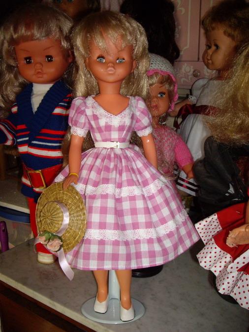 Les poupées de ma maison  - Page 3 Imgp0313