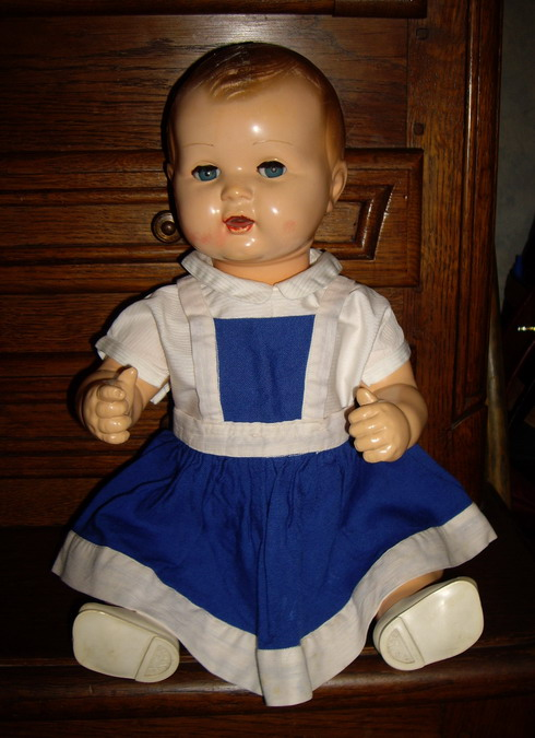 Les poupées de ma maison  - Page 3 Imgp0315