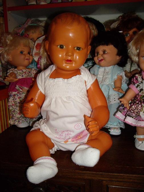 Les poupées de ma maison  - Page 3 Imgp0317