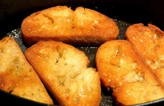 Soupe au pain à l'ail Img_7521
