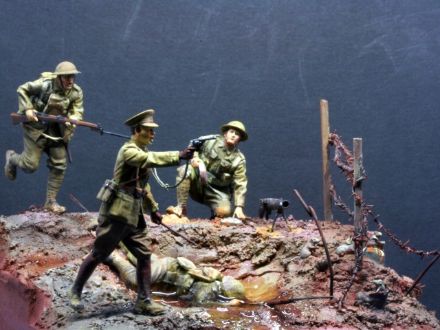 Bataille de la Somme: Septembre 1916 :saynète terminée - Page 2 Img_0625