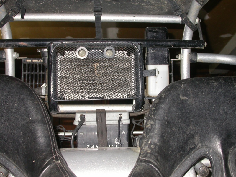 Améliorer le refroidissement + la prise d'air ( gavage de la boite d'origine ) Dscn5918