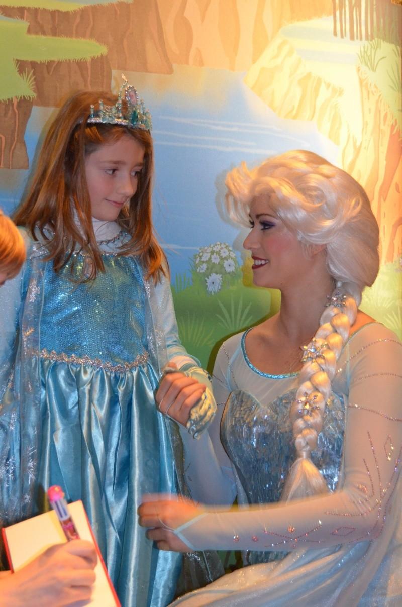 Princess Pavilion avec Anna et Elsa - Page 38 Dsc_0110