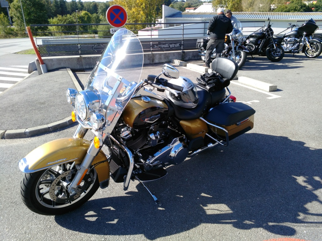 La plus belle des Road King Classic....... - Page 2 Img_2016