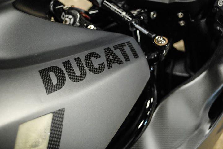 Ducati 999 et 749  - Page 2 10367510