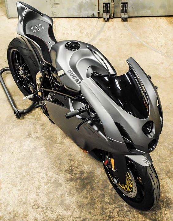 Ducati 999 et 749  - Page 2 10407810