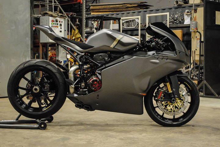 Ducati 999 et 749  - Page 2 15053810