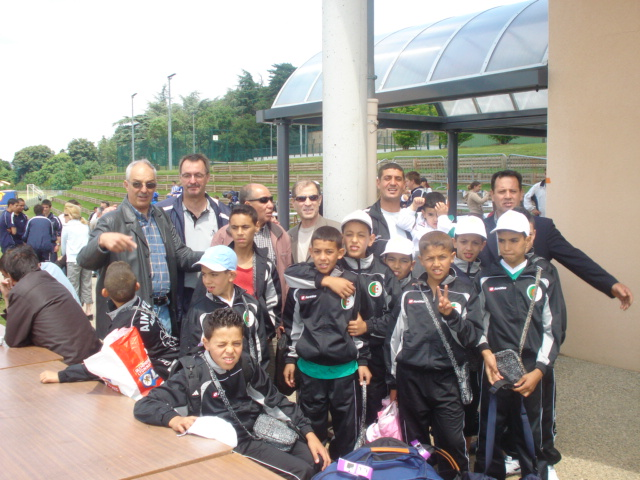 l'école de foot mlilis  s'illustre en France Dsc00310