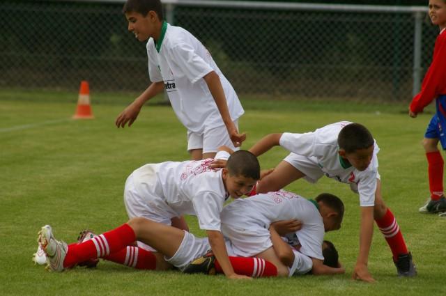 l'école de foot mlilis  s'illustre en France T2710