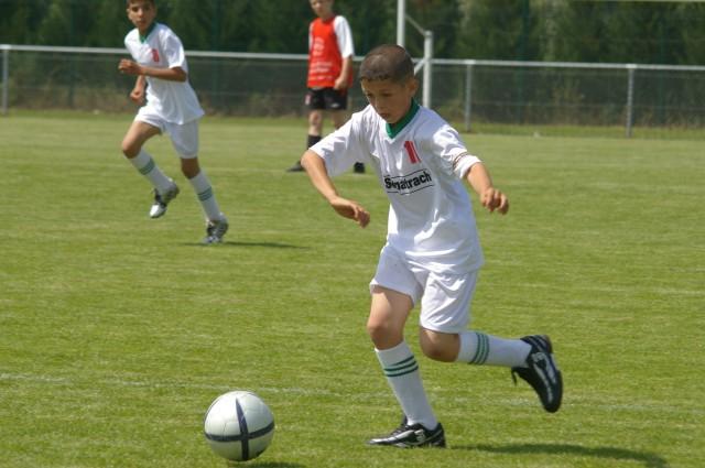 l'école de foot mlilis  s'illustre en France T710