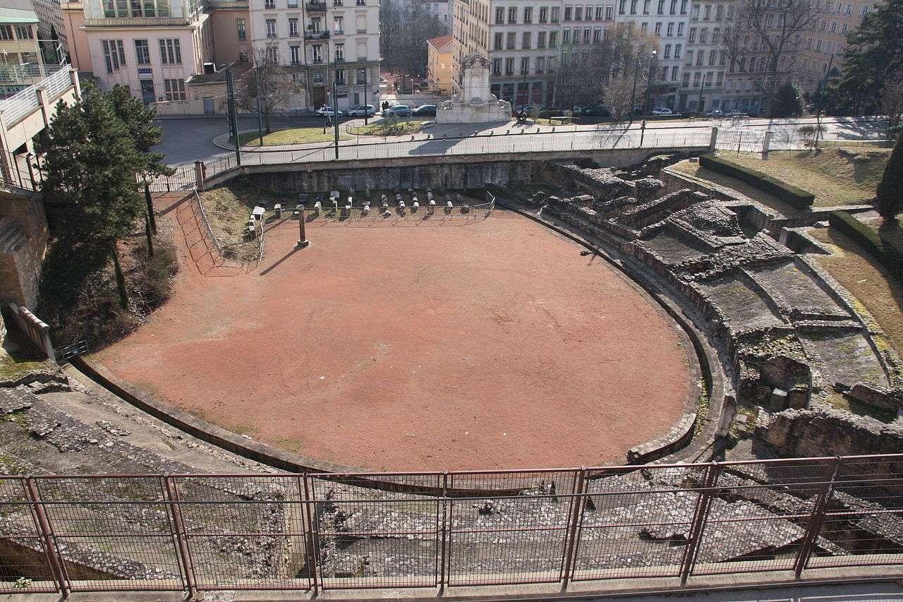 """Amphithéâtres romains : """"du pain et des jeux"""" 1280px10"""