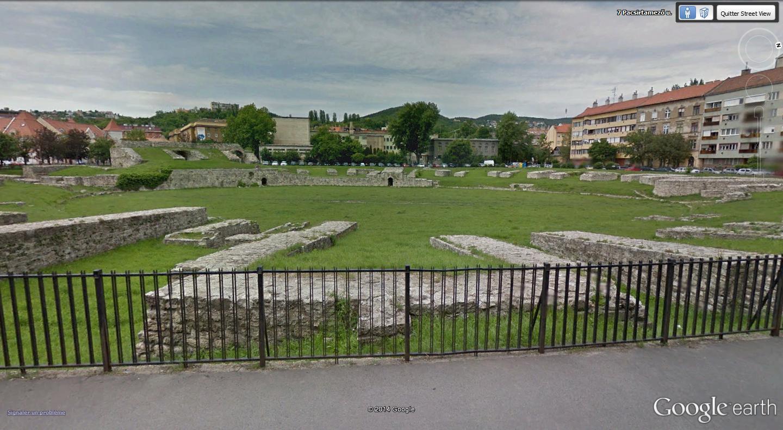 """Amphithéâtres romains : """"du pain et des jeux"""" Nagy10"""