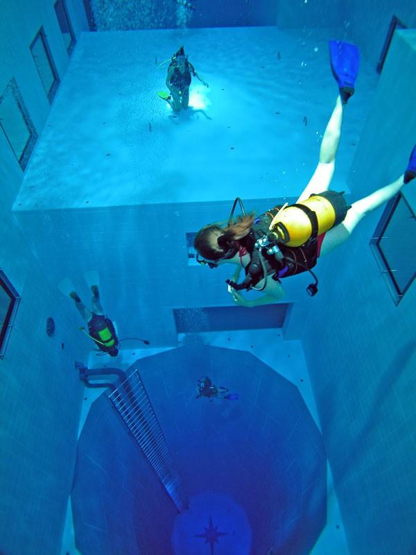 Némo 33 : la piscine la plus profonde du monde, Uccle - Belgique Nemo_910