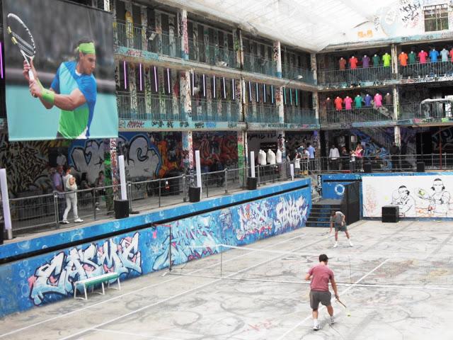 molitor - La piscine Molitor (Paris) : 180 euros la journée, abonnement annuel à 3300 euros ! Sdc13110