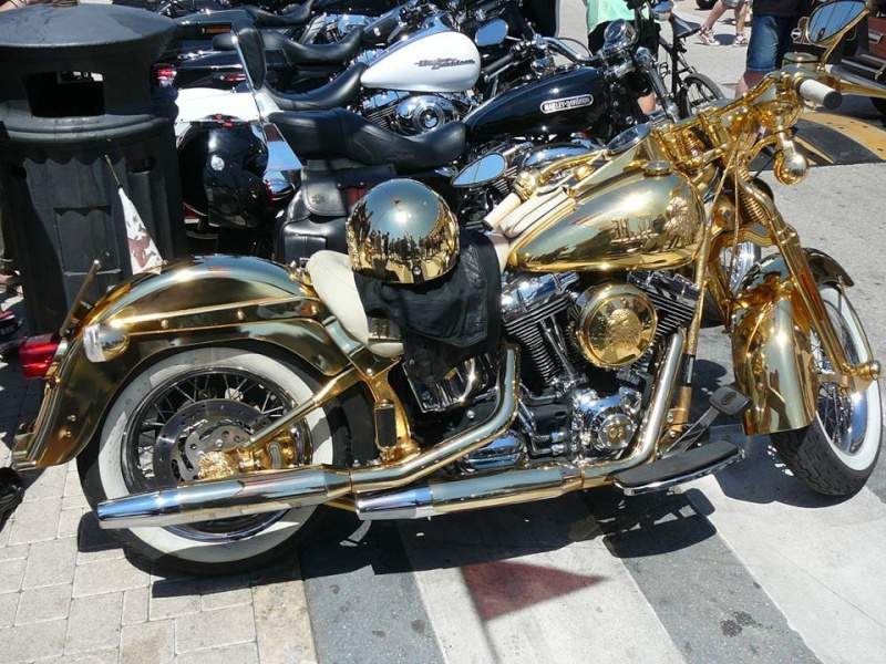 PHOTOS de Beaux Softails, de moches & de Bizarres.. - Page 7 Zhd10