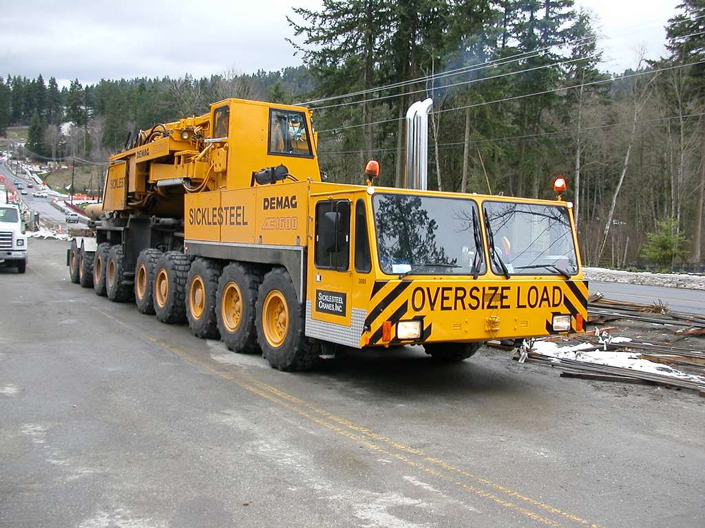 Les anciennes grues DEMAG - Page 8 Ac160010