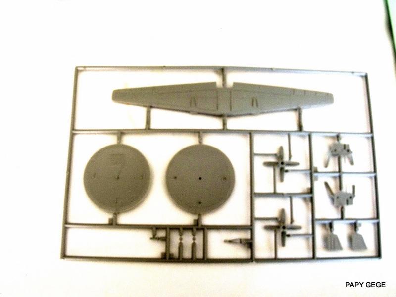 Grumman E-2C HAWKEYE au 1/144 REVELL Grumma13