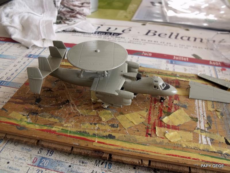 Grumman E-2C HAWKEYE au 1/144 REVELL Grumma24