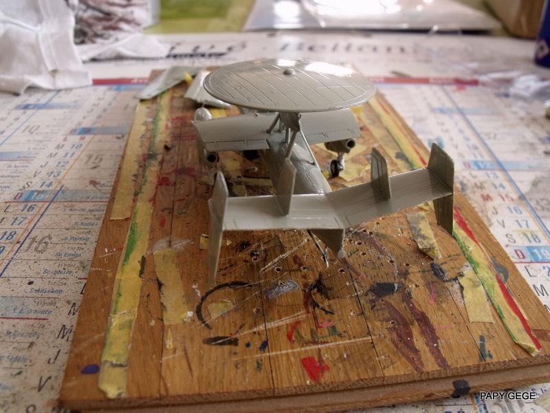 Grumman E-2C HAWKEYE au 1/144 REVELL Grumma26
