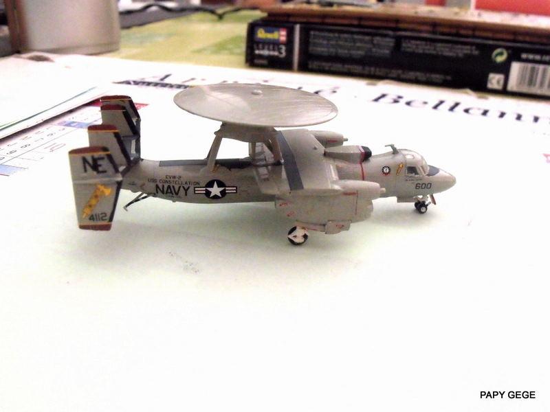 Grumman E-2C HAWKEYE au 1/144 REVELL Grumma27