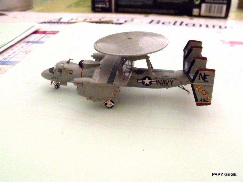 Grumman E-2C HAWKEYE au 1/144 REVELL Grumma29