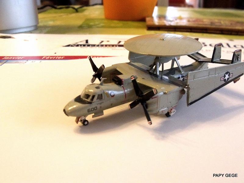 [ Revell ] Grumman E-2C HAWKEYE au 1/144 Grumma32
