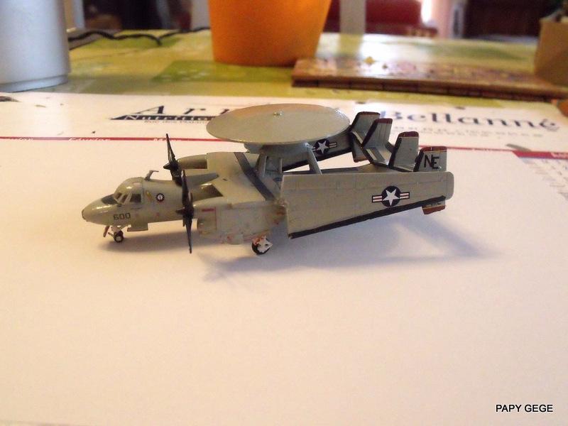[ Revell ] Grumman E-2C HAWKEYE au 1/144 Grumma34