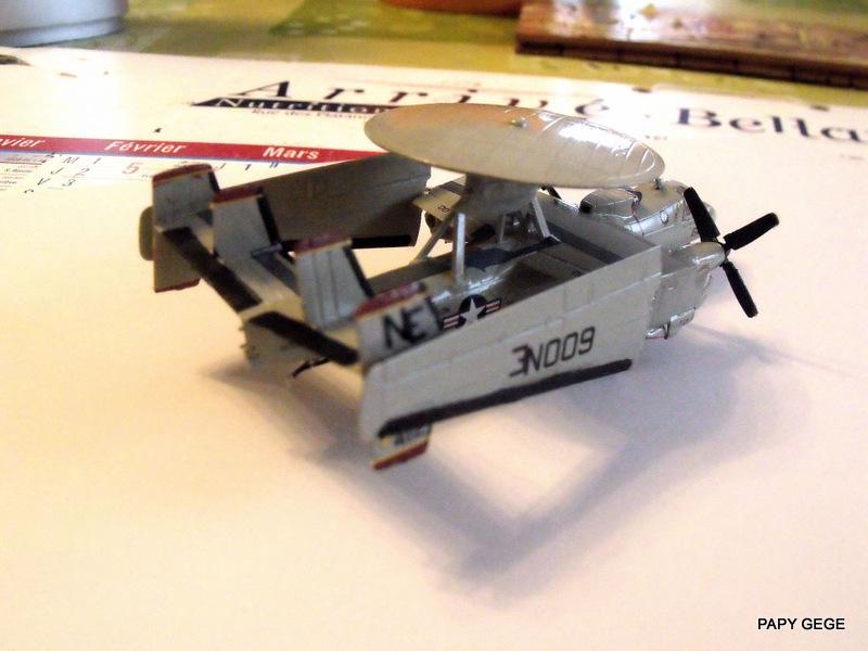 [ Revell ] Grumman E-2C HAWKEYE au 1/144 Grumma36