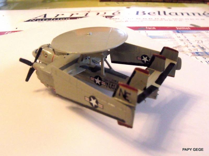 [ Revell ] Grumman E-2C HAWKEYE au 1/144 Grumma38