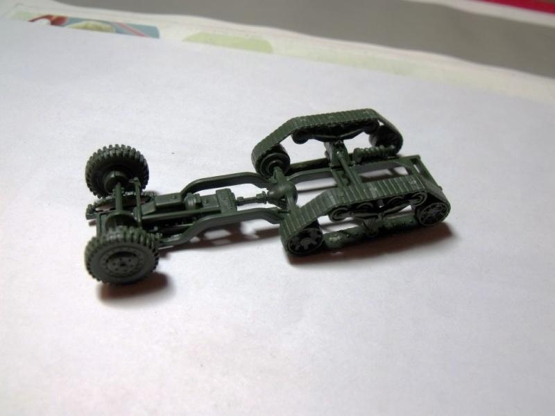 ACADEMY M3 HALFTRACK et 1/4 ton amphibian vehicule 1/72  Half_011