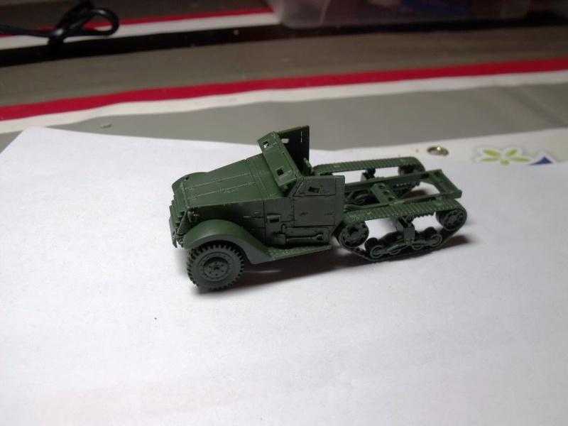 ACADEMY M3 HALFTRACK et 1/4 ton amphibian vehicule 1/72  Half_016