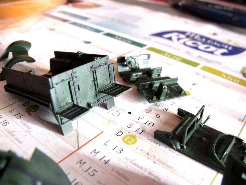 ACADEMY M3 HALFTRACK et 1/4 ton amphibian vehicule 1/72  Half_017