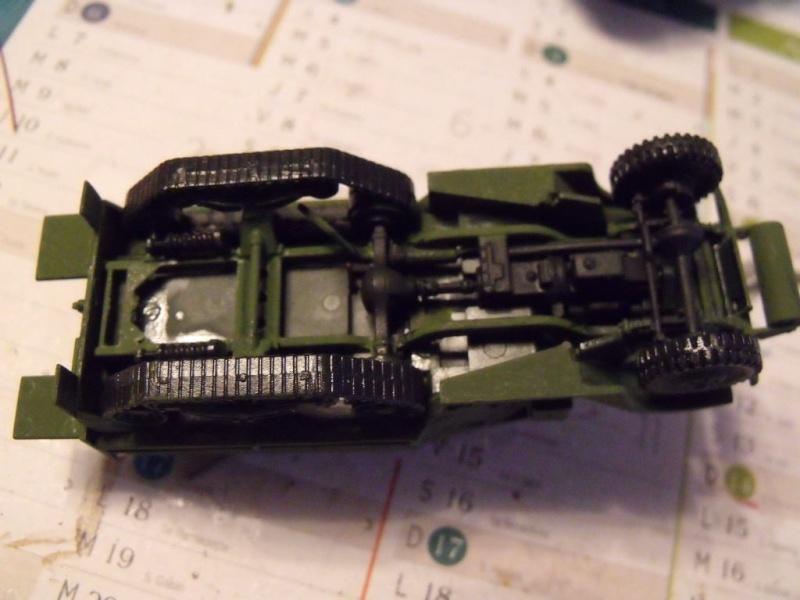 ACADEMY M3 HALFTRACK et 1/4 ton amphibian vehicule 1/72  Half_018