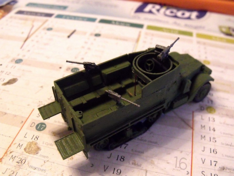 ACADEMY M3 HALFTRACK et 1/4 ton amphibian vehicule 1/72  Half_112